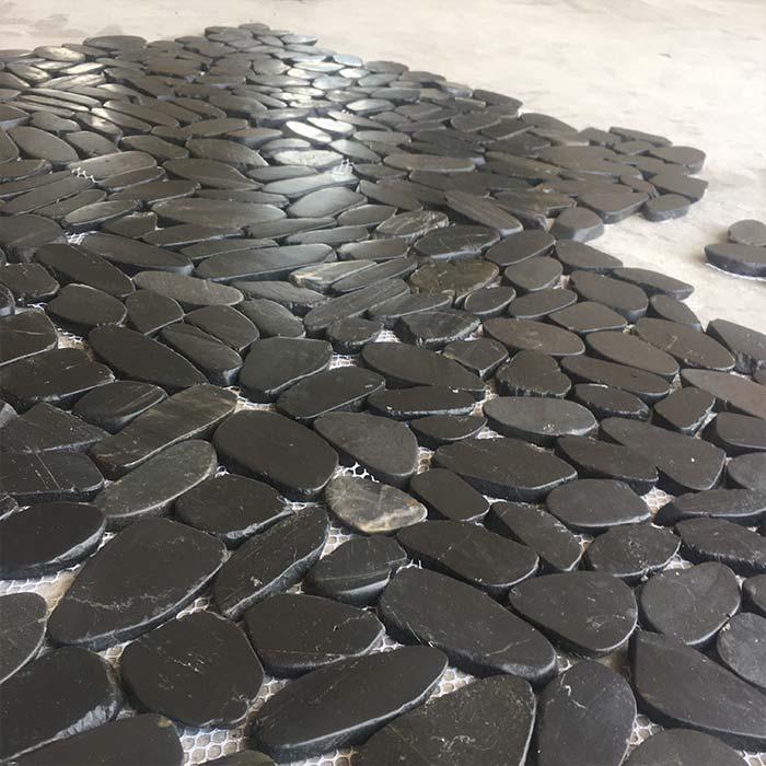 Black Sliced Polished Pebble Mosaic in 12x12 Mesh